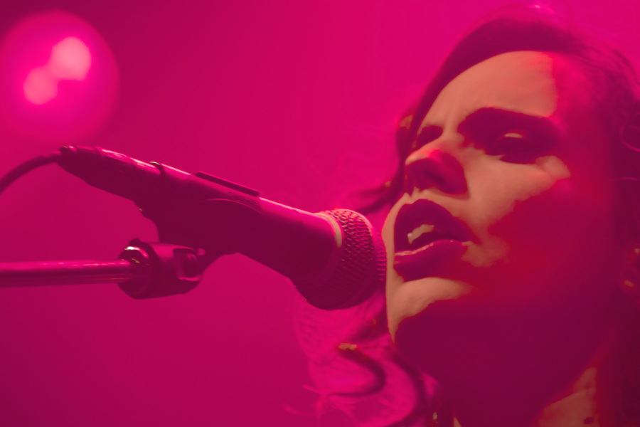 Anna Calvi and Alice Boman live at Amager Bio, Denmark